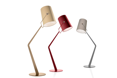 Introducing Fork light, a product of a collaboration between Diesel Living and Foscarini. The floor lamp uses simplified fabric and metal structure.