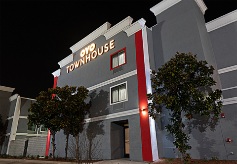 Oyo Townhouse Dallas