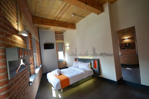 easyHotel double room