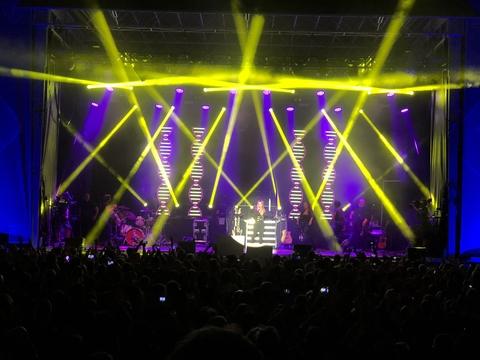 Anastacia Tour Rig With ChamSys MagicQ MQ500 Stadium