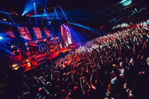 Twenty One Pilots' Emotional Roadshow World Tour
