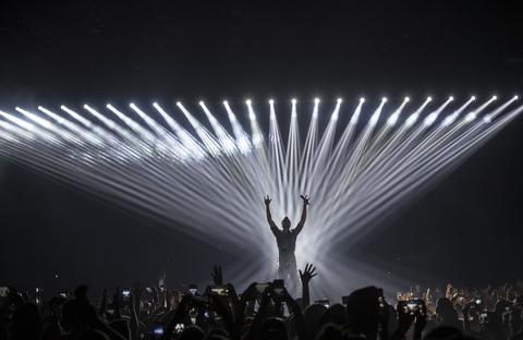 Robe lights Enrique tour