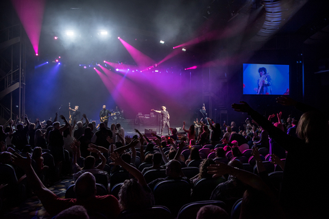 Clear Sailing For Zach Scott And ChamSys On Chicago Music Cruise