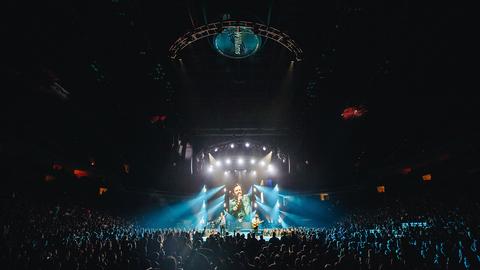 Seth Jackson Balances Looks On Casting Crowns / Hillsong Worship / Elevation Worship Tour With Maverick MK3 Spot