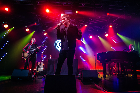Keith Hoagland Creates Varied Background For Rob Thomas Album Release Party With CHAUVET Professional