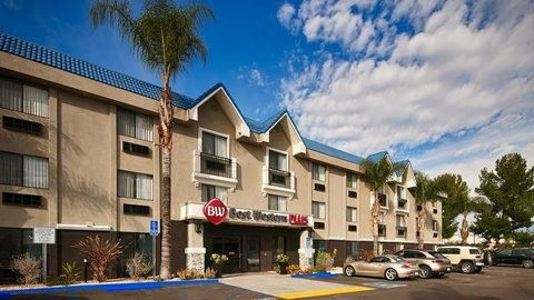 The loans were arranged on behalf of two separate borrowers, and are for two Best Western Plus hotels in Washington and California.