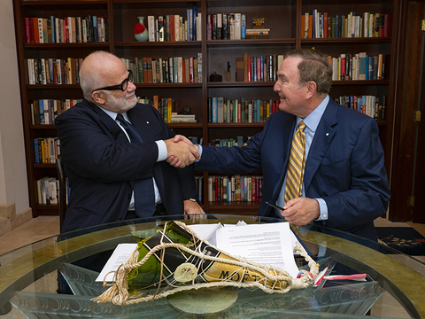 Manfredi Lefebvre and Richard Fain sign investment in Silversea Cruises