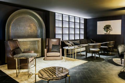 la s historic mayfair hotel unveils renovation luxury. Black Bedroom Furniture Sets. Home Design Ideas