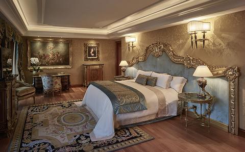 Rome Cavalieri A Waldorf Astoria Resort Previews Holiday