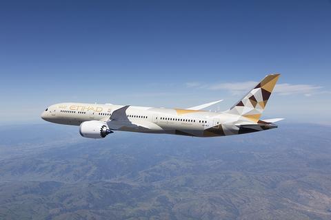 Etihad Airways Boeing 787-9 inflight