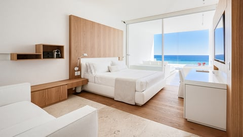 Under the leadership of Martin Kipping and Cataline Lloyd, Viceroy Los Cabos, formally known as Mar Adentro, will debut May 2018 with new additions and enhancements to the property.