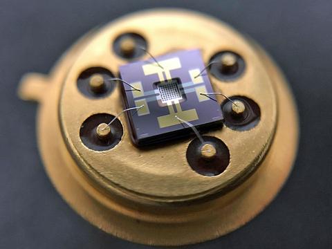 Metal Oxide Gas Sensing Material and MEMS Process