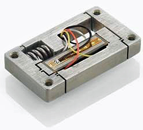 Fig. 5: A compact piezo flexure mechanism with integrated motion amplifier providing guided motion with nanometer precision. (Image: PI)