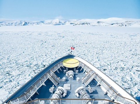 Hapag-Lloyd Cruises' new expedition ships will have a walkway right at the bow.