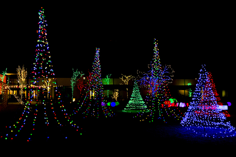 Phalen Park Christmas Lights 2020 Taking the Kids    12 Places to See the Holiday Lights | Travel