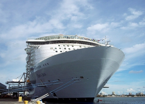 Cruises From New York 2020.Royal Caribbean S Oasis Of The Seas Heads To New York City