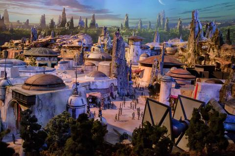 Disney's Star Wars - Galaxy's Edge Opens in 2019