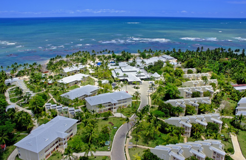 Resort encompassed by the Caribbean