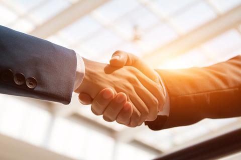 handshake / shaking hands