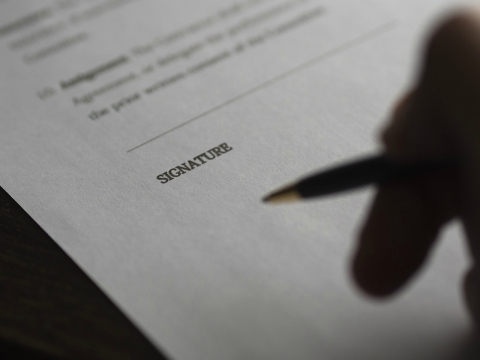 4 Provisions To Include In Employment Agreements To Ease The Way