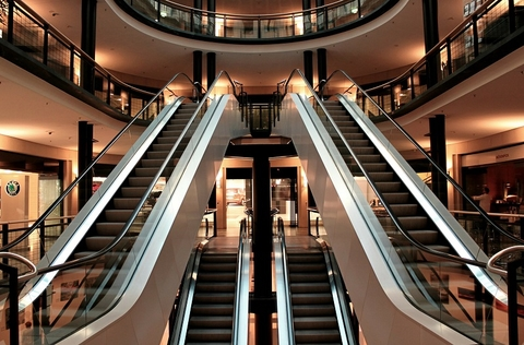 escalator (Pixabay)
