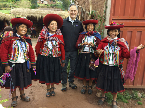 Maza With a community of weavers in the Peruvian Andes