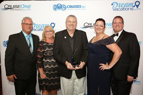 (L to R): 2016 CruiseOne Franchisee of the Year Richard and Cheryl Butz; 2017 Dream Vacations Franchisee of the Year Mike Ziegenbalg; Senior Vice President Debbie Fiorino; and General Manager of Network Engagement and Performance Drew Daly.