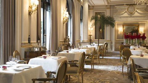 Le Cinq at Four Seasons Hotel George V in Paris