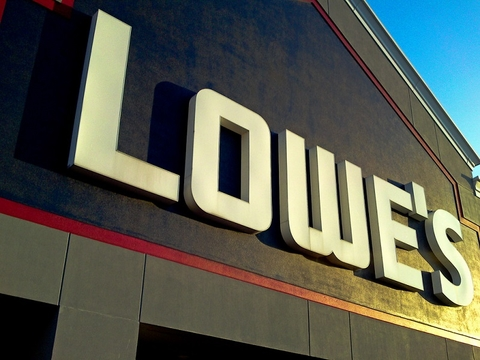 Lowe's to pay $1000 bonuses to employees
