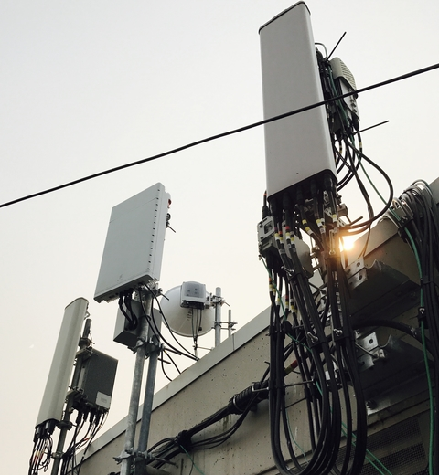 Tower companies cheer MIMO antennas because they're bigger