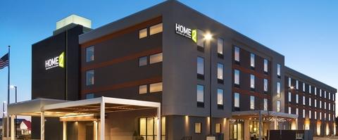 Mcr Acquires Three Hilton Hotels In Champaign Ill