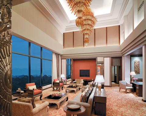 Shangri-La Hotel Chiang Mai: A Lavish, Urban Resort in