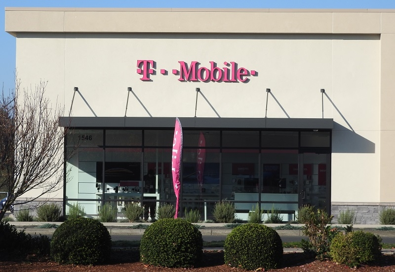 T-Mobile closing hundreds more Metro stores: reports