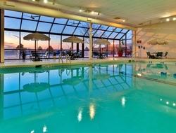 Vantage Hotel New York Pool