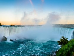 Niagara Falls HonestTraveller/iStock / Getty Images Plus