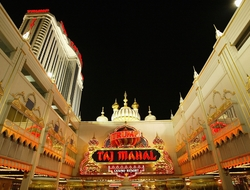 The casino hotel shut down last October after 26 years of operation following a worker strike, and owner Carl Icahn is now willing to fold at a loss.