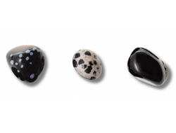 Obsidian pieces