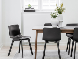 The Pato collection, which was originally intended for the professional markets, is now extended with Pato wood base to broaden the collection's audiences.