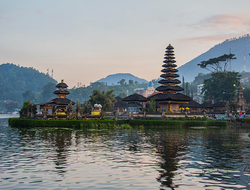 Pura Ulun Danu Bratan Bali - Helen_Field/iStock/Getty Images Plus/Getty Images