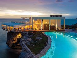 Sonesta Ocean Point Edge Pool affords extraordinary views from its cliffside perch.