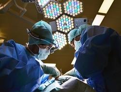 surgeons doctors