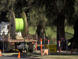 Fiber optic cable being laid in New South Wales, Australia for NBN Co. (Image: Bidgee / Wikimedia Commons)