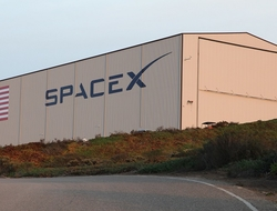 SpaceX hangar