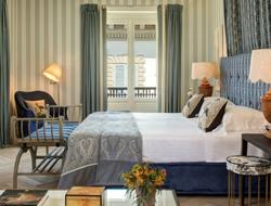Olga Polizzi designs the Duomo Presidential Suite at Hotel Savoy.
