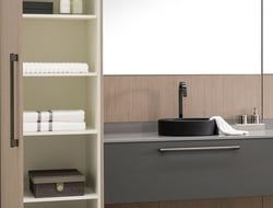 Designed by Ricardo Bello Dias, Stilo is a line of cabinetry suitable for kitchen, bathrooms and closets.