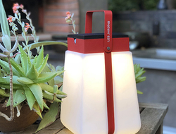 The Bump solar lantern features a rounded and tapered 360° diffuser shell, crafted from the same plastic material that kayaks are made of.