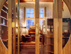 Amerikalinjen opens inside historic HQ of Norwegian America Line.