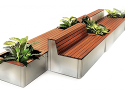 Garda is a modular bench system designed for both outdoor and indoor use.