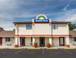 Both transactions occurred on the same day, Dec. 18, and include the 97-room La Quinta Inn & Suites Louisville Airport & Expo and the 38-room Days Inn in Plymouth, Indiana.