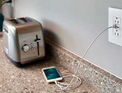 With 6.0 amps of power, the outlet allows users to charge devices up to 40% faster than average.
